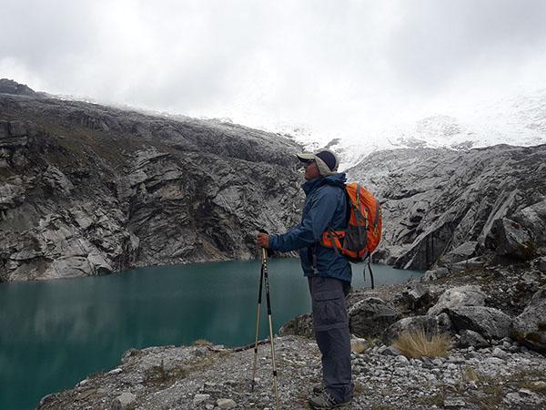 Trekking 513 Lake